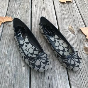 Coach classic patterned flats